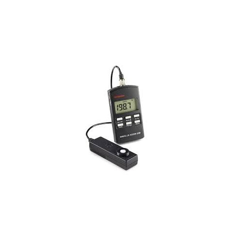 Gossen Mavolux 5032B - Digital Footcandle/Lux Meter  by Gossen